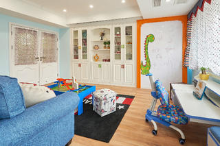 美式风格三居儿童房娱乐区
