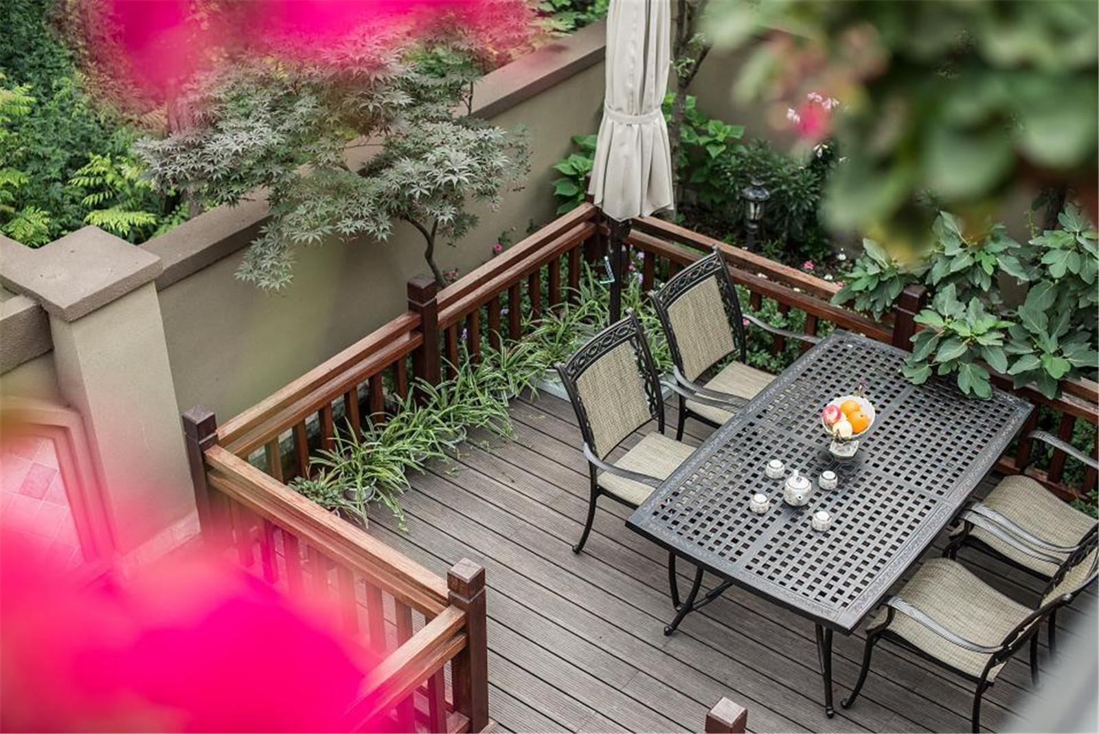 美式乡村别墅设计露台花园图片