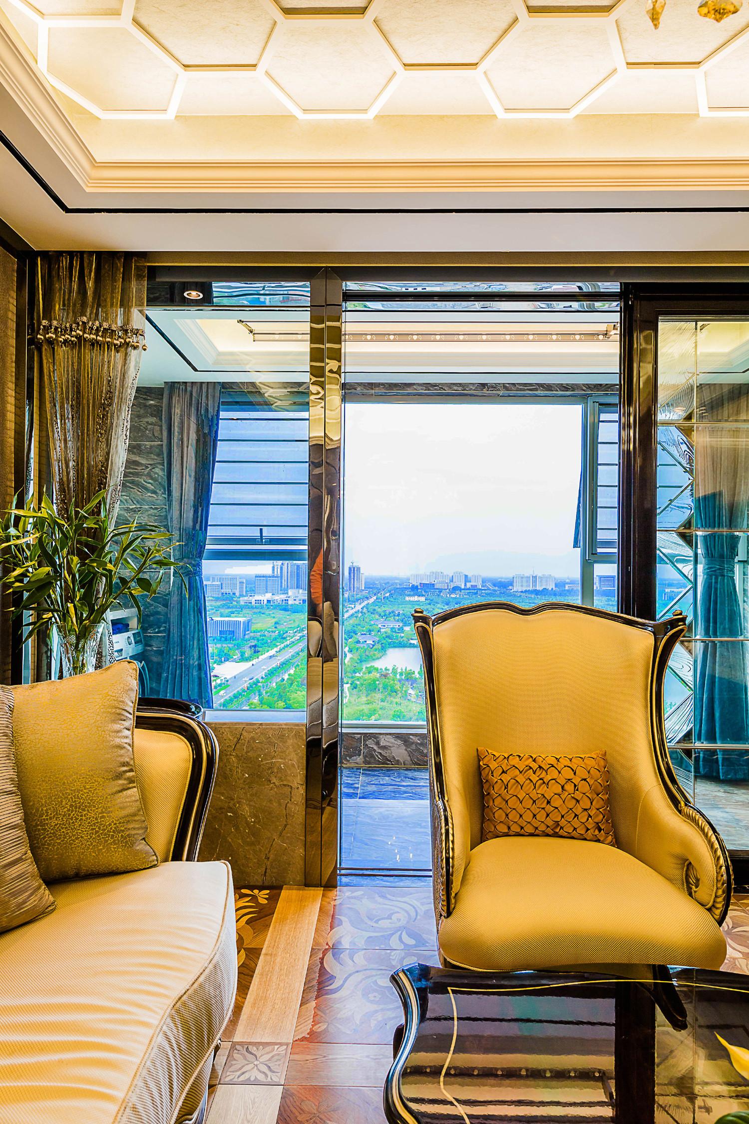 新古典三居室装修沙发图片