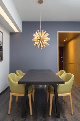 现代简约二居餐厅设计图