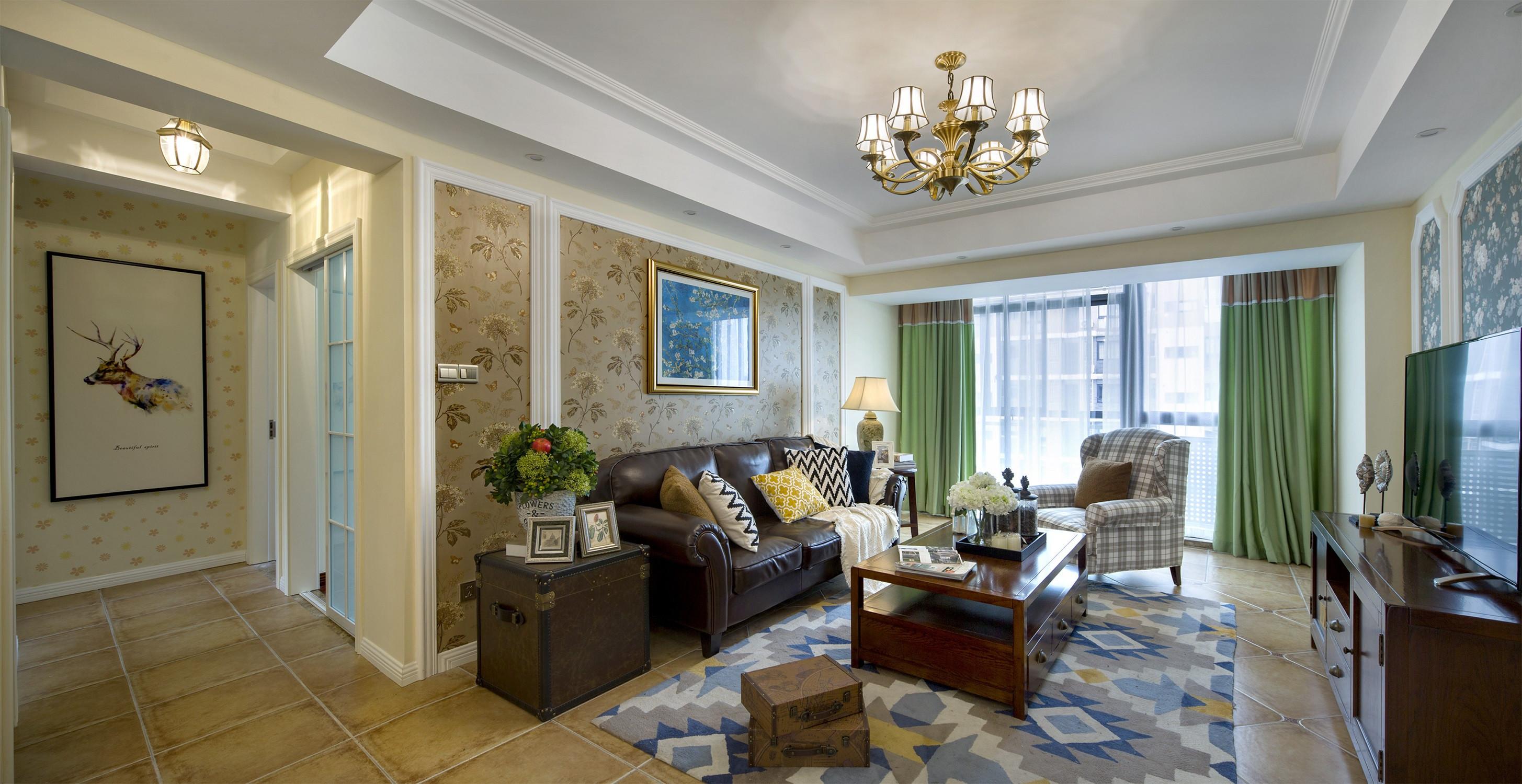 120平三居室装修沙发背景墙图片