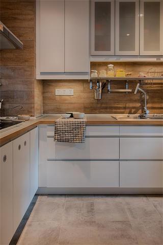 日式简约风装修厨房欣赏图