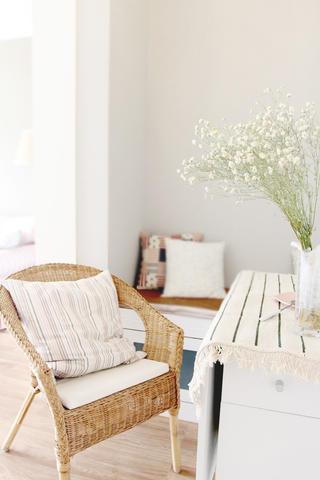 80㎡现代美式装修餐椅图片