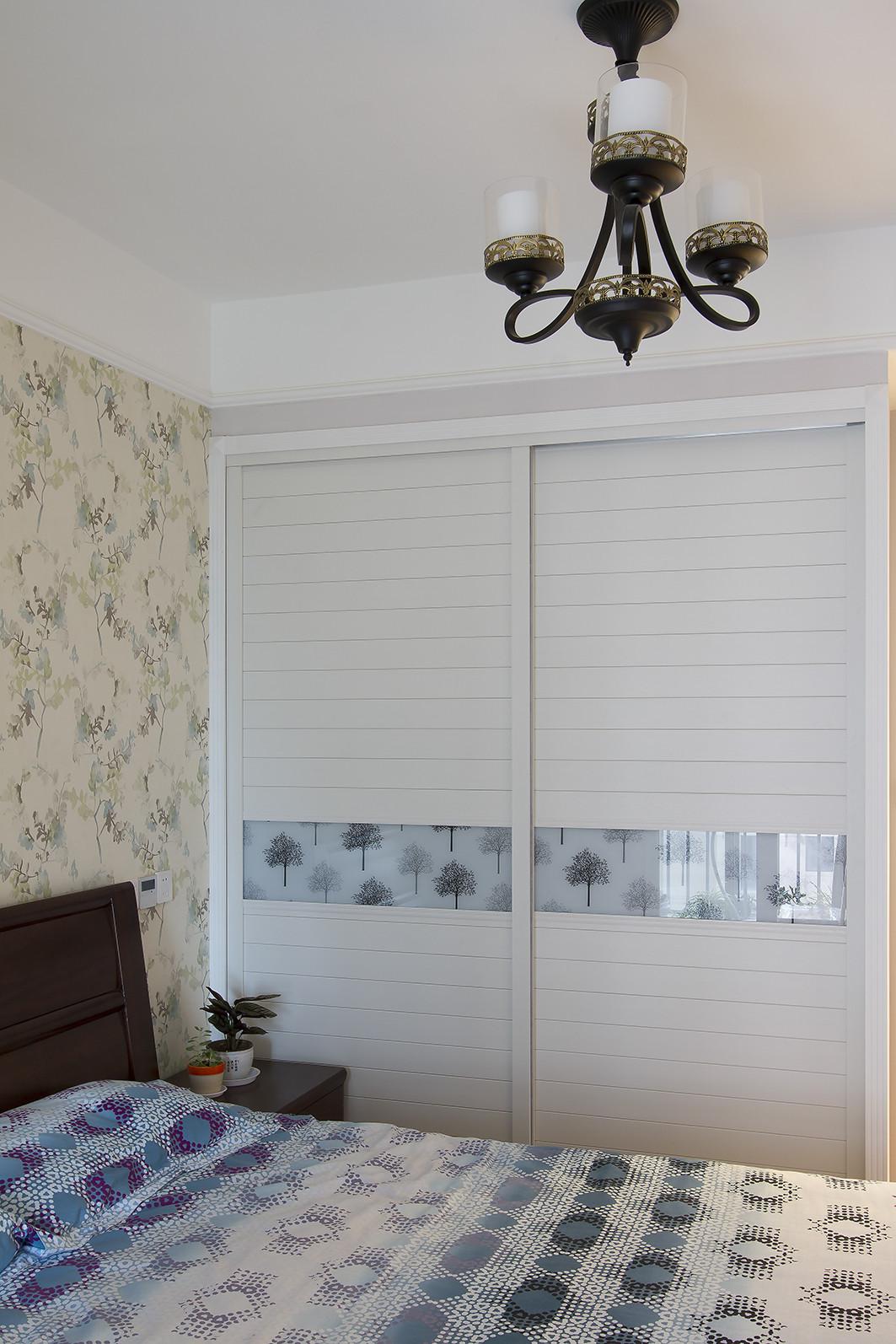145平美式三居装修衣柜图片
