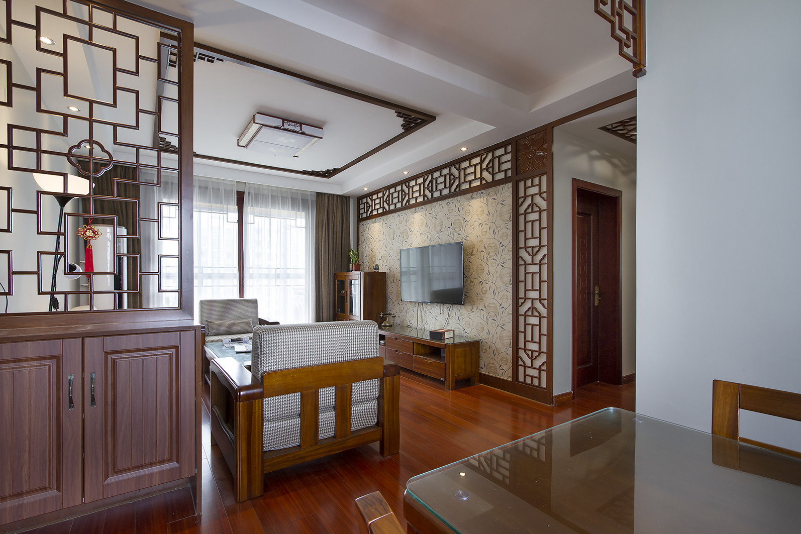130平中式风格家客厅吊顶设计