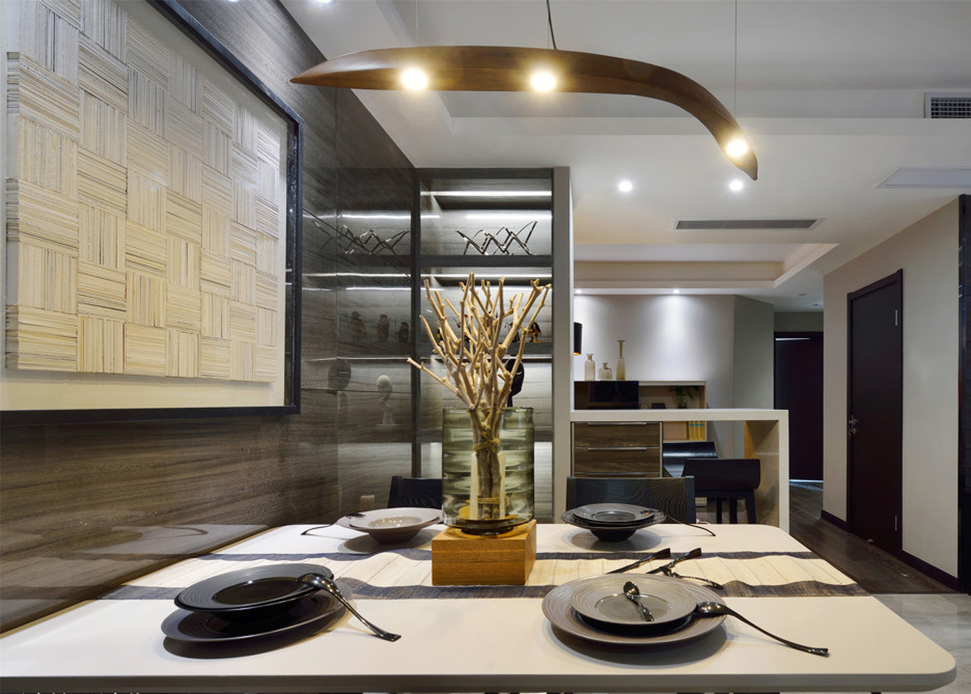 现代简约之家餐桌图片