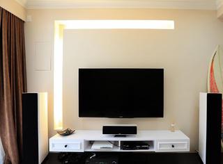 80平现代简约装修电视背景墙图片
