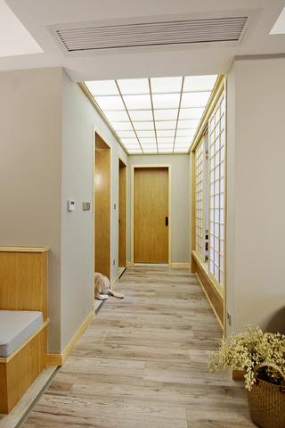 日式三居装修过道图片