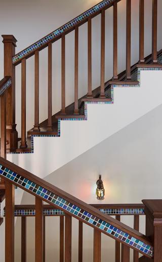 大户型东南亚风格装修楼梯设计
