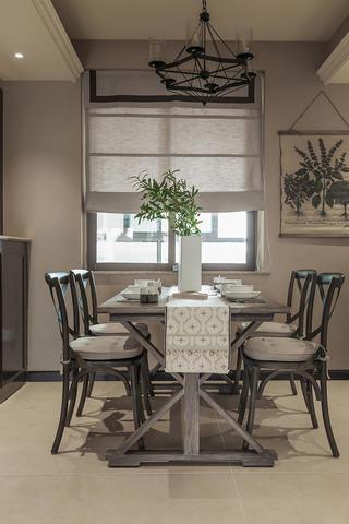 美式二居装修餐桌椅图片