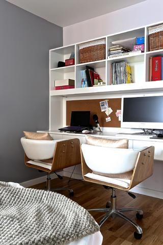 100平北欧装修书桌设计