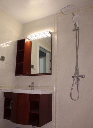 简约三居装修浴室柜图片