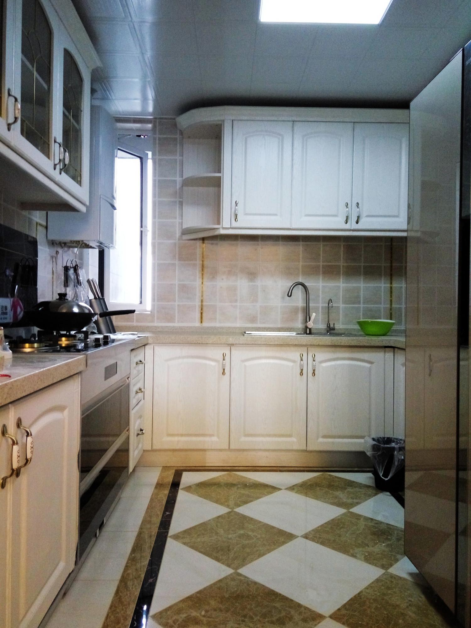140平混搭风格装修厨房设计图