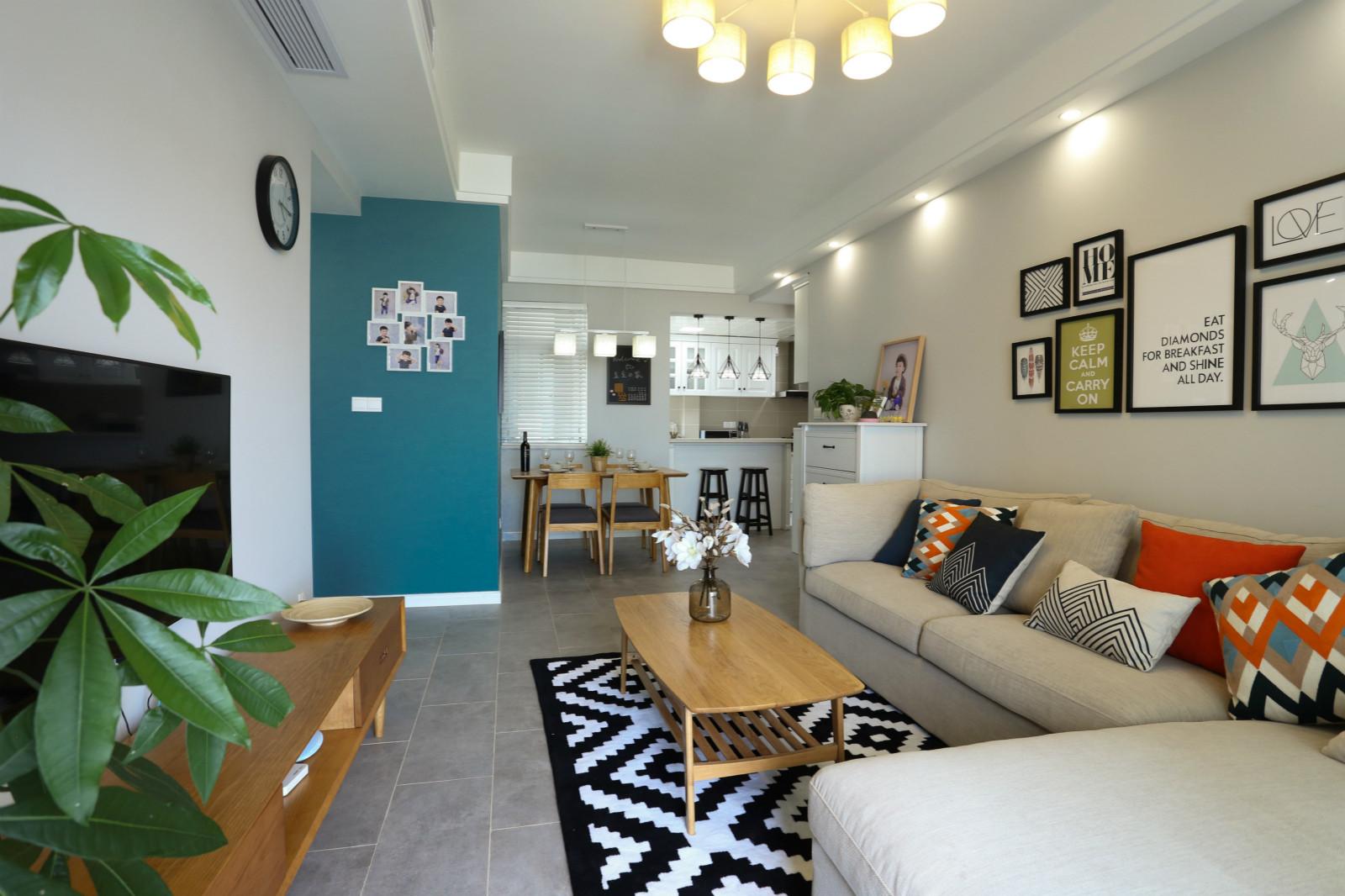 65平公寓装修客厅搭配图