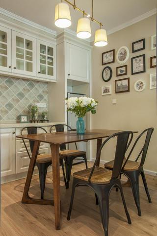 85平简美之家餐厅设计图