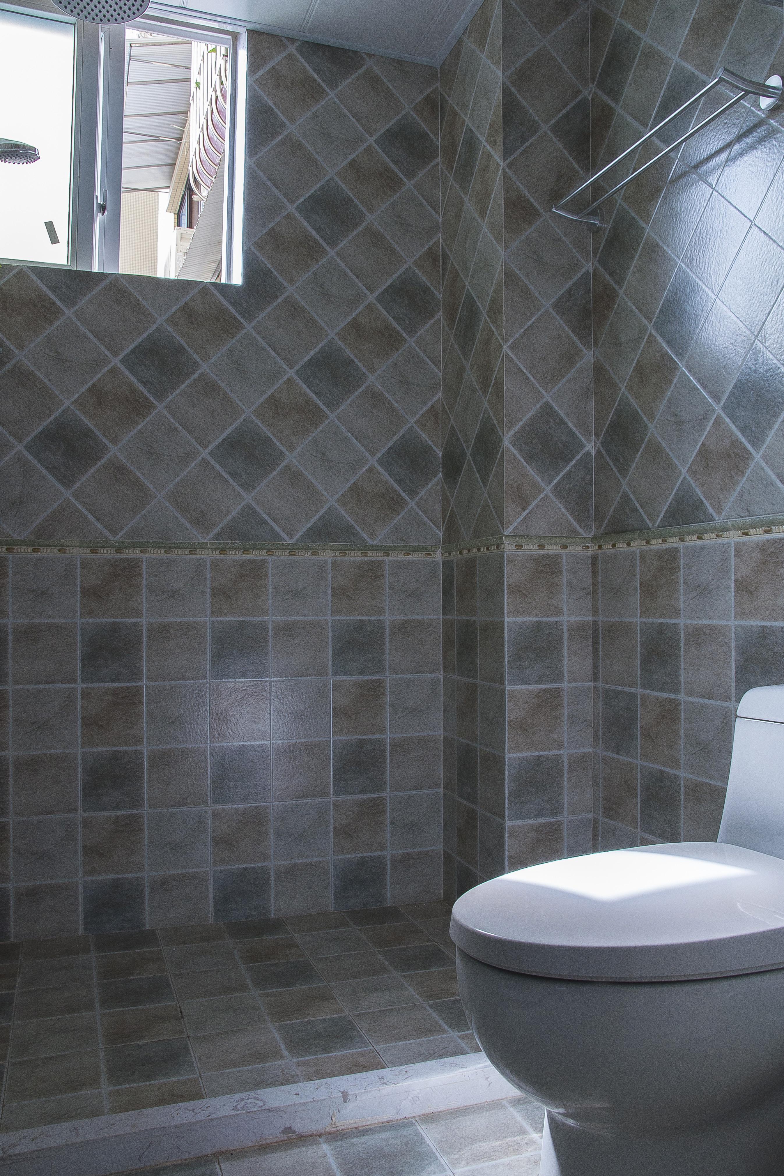 85平简美之家卫生间图片