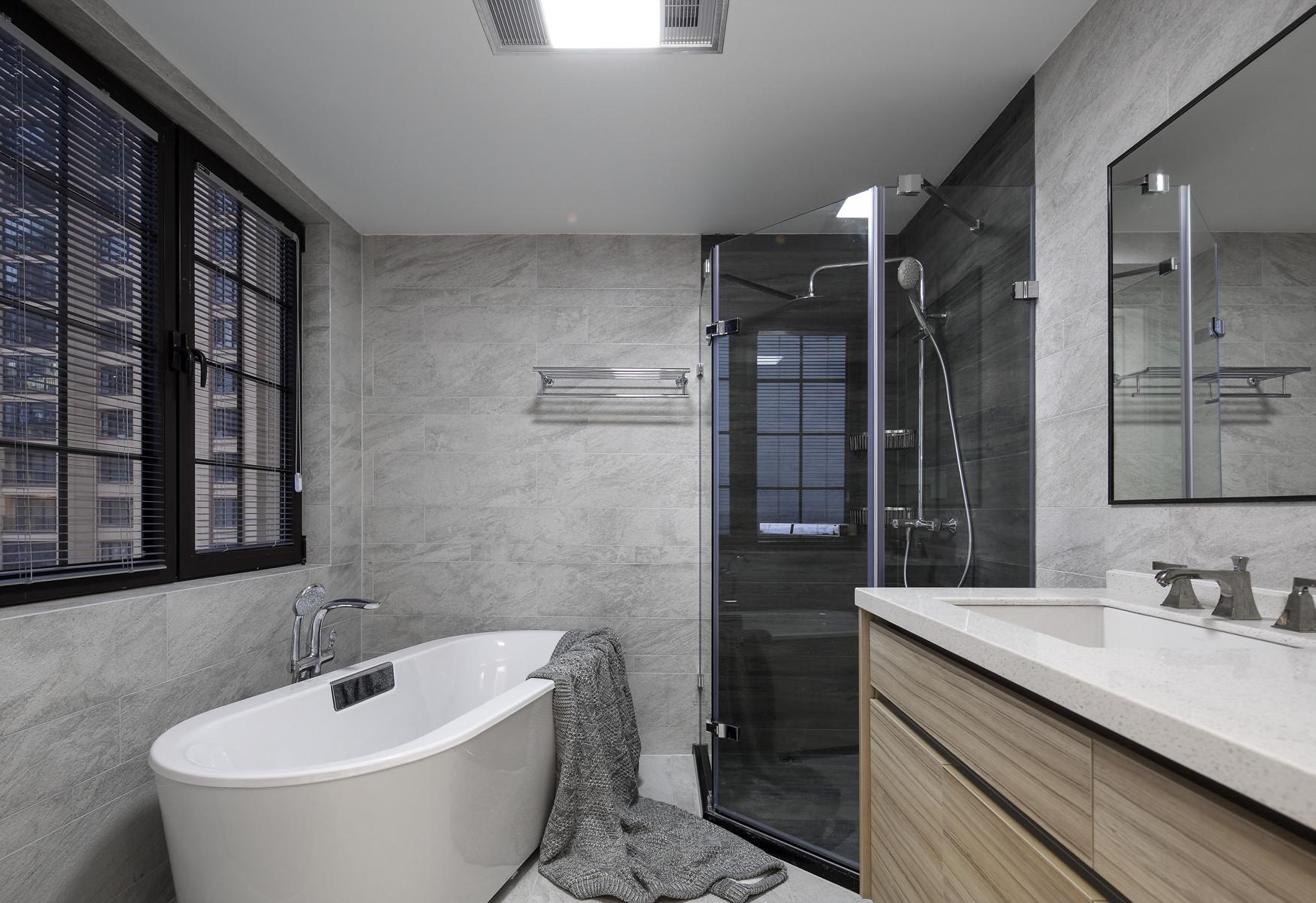 220平现代美式家卫生间设计图