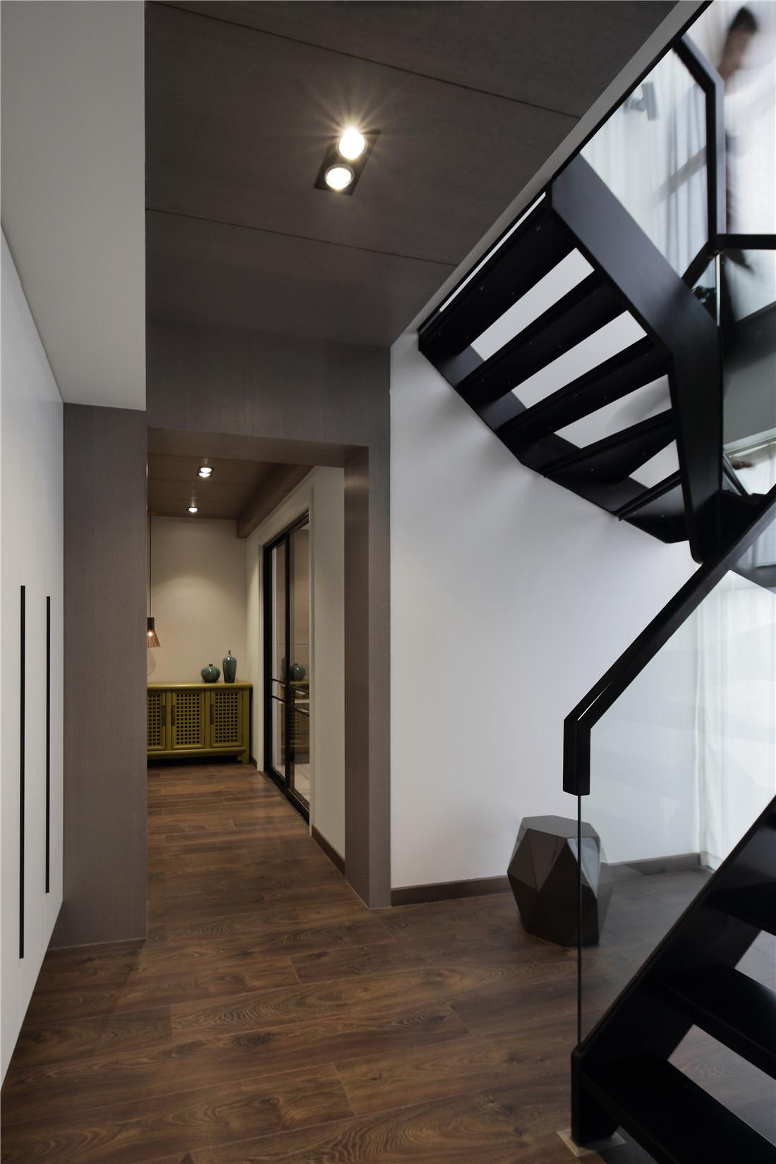 复式简约装修楼梯图片