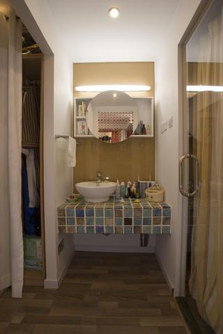 现代简约一居装修洗手台图片