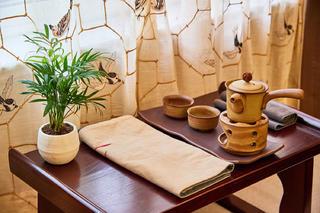 中式三居装修飘窗茶台图片