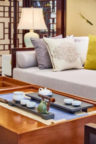 中式三居装修茶几图片