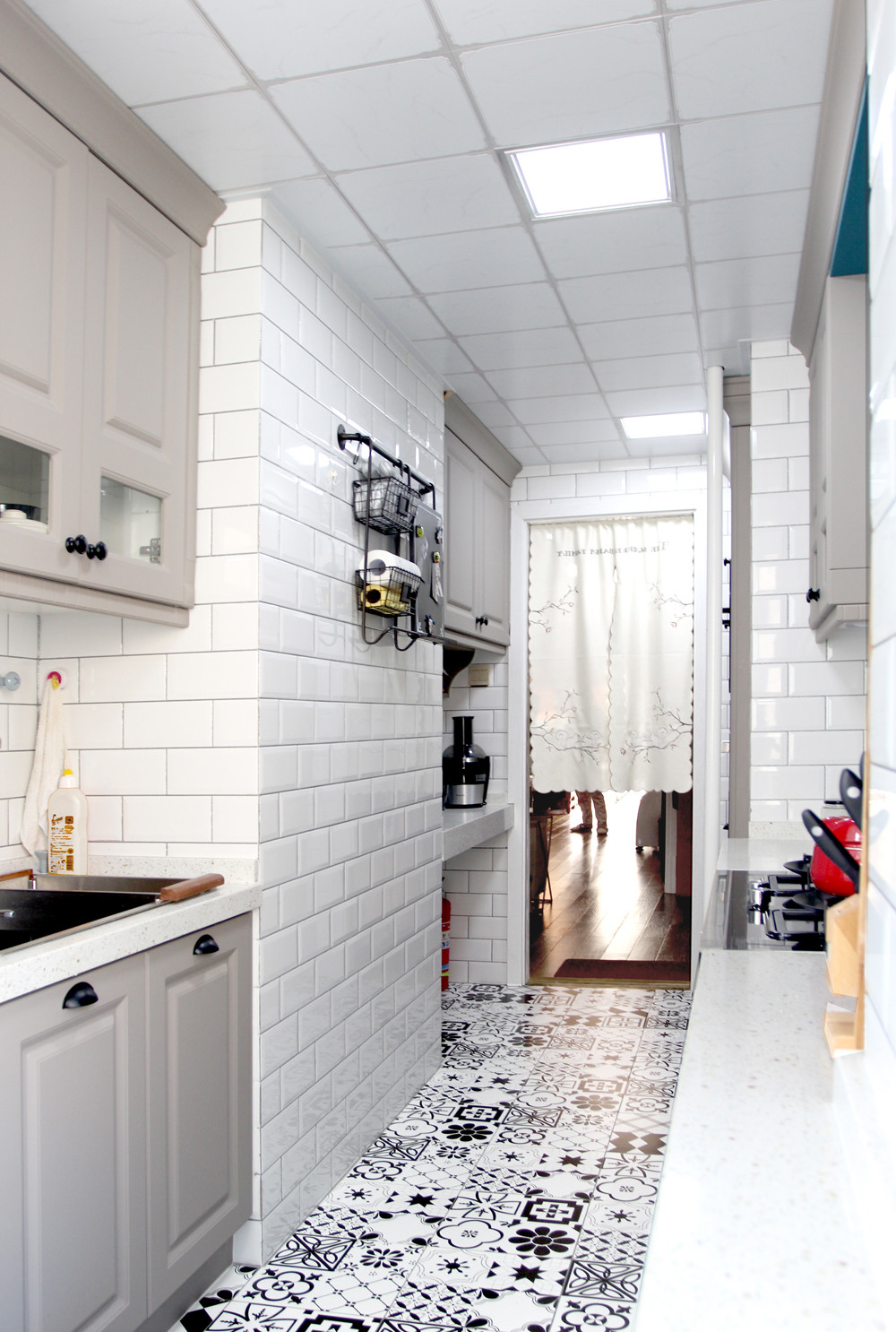 美式风格二居装修厨房吊顶图片