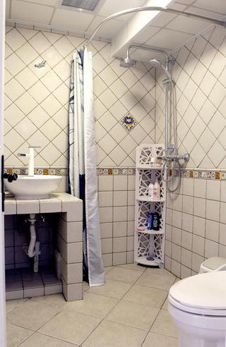 美式风格二居装修卫生间装潢图
