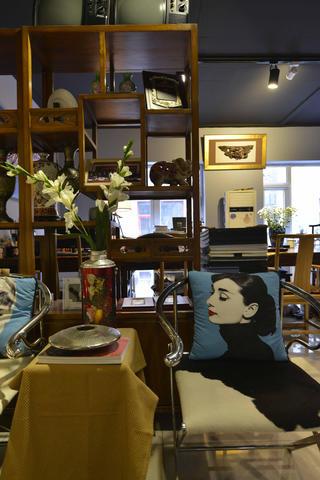中式风格工作室装修抱枕图片
