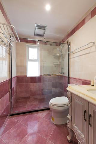 三居室美式风格家卫生间装潢图
