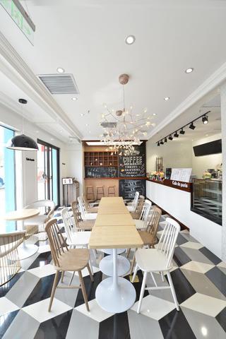 80平小清新咖啡厅装修餐厅布置图