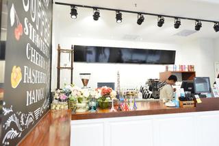 80平小清新咖啡厅装修点餐台布置图