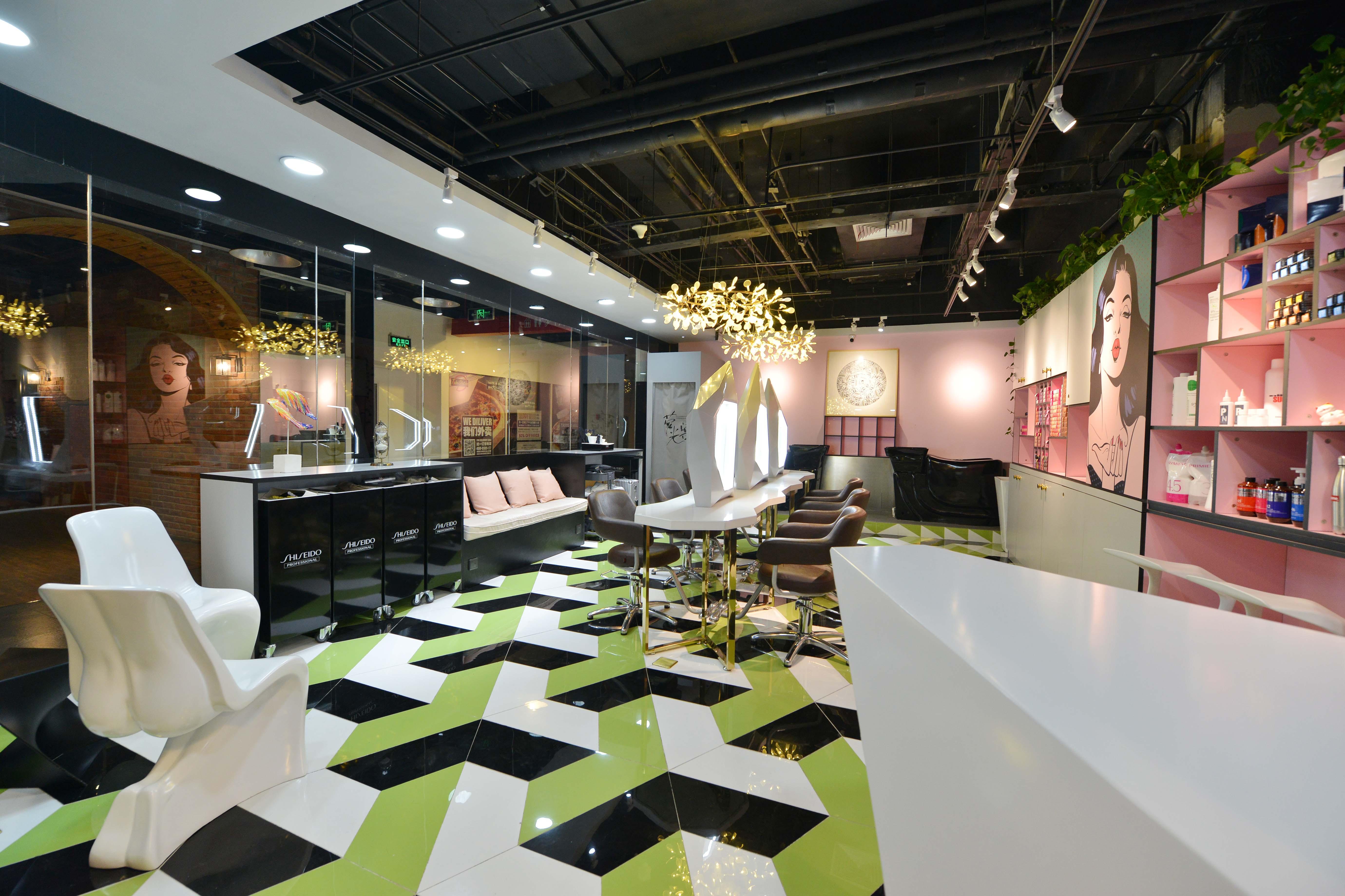 时尚前卫美妆店装修造型椅图片
