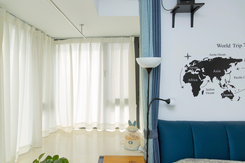 76平现代美式家卧室窗帘图片