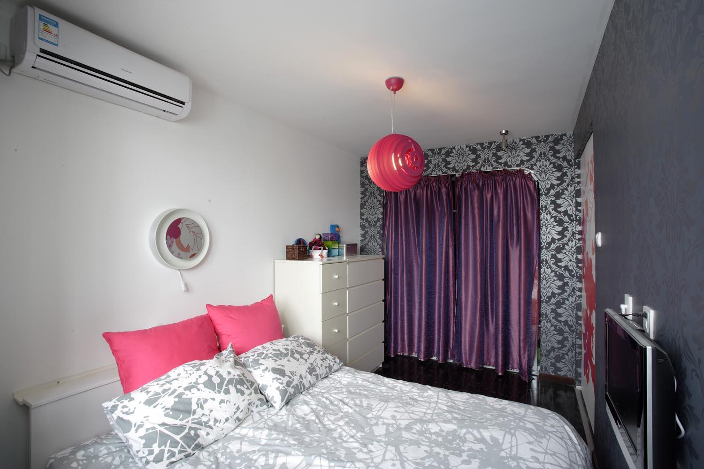 60平小户型简约风装修床头背景墙图片