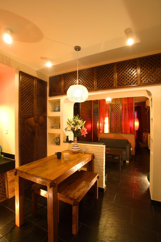 东南亚风格小户型装修餐桌图片