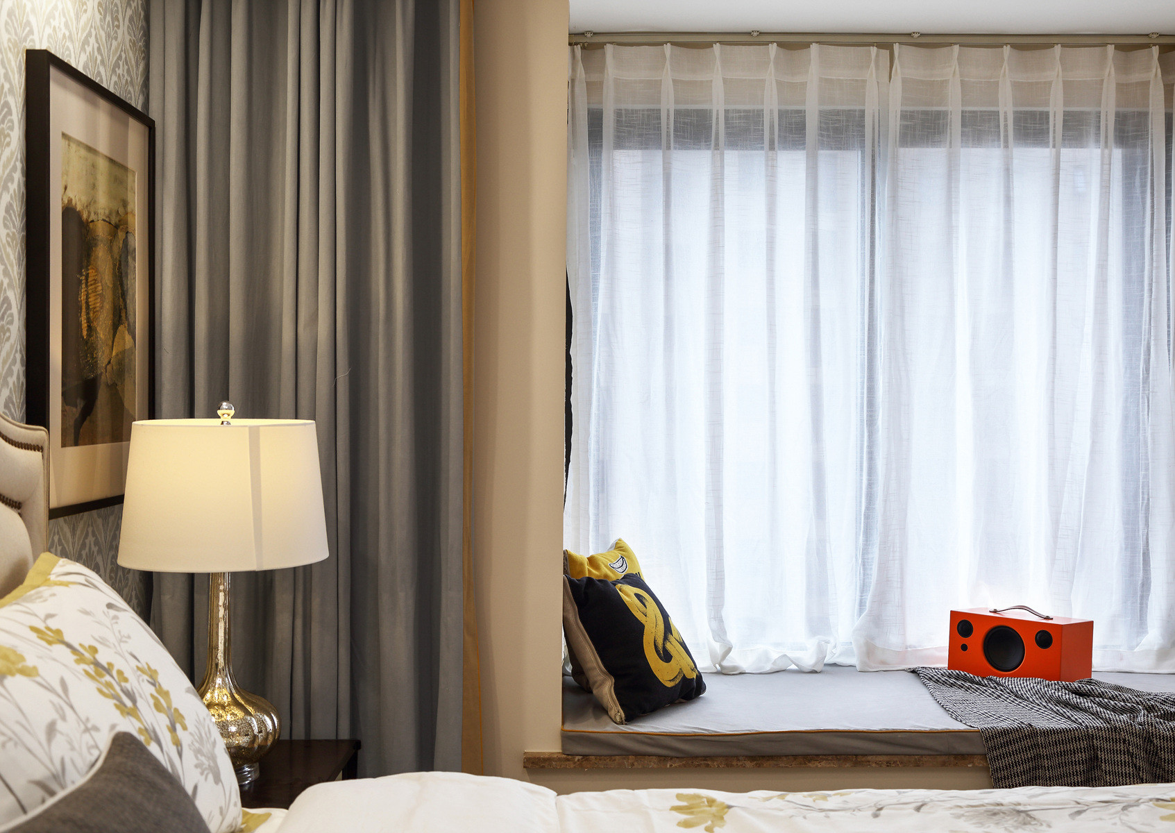 美式风格三居装修飘窗图片