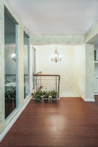 复式田园风格家楼梯吊灯图片