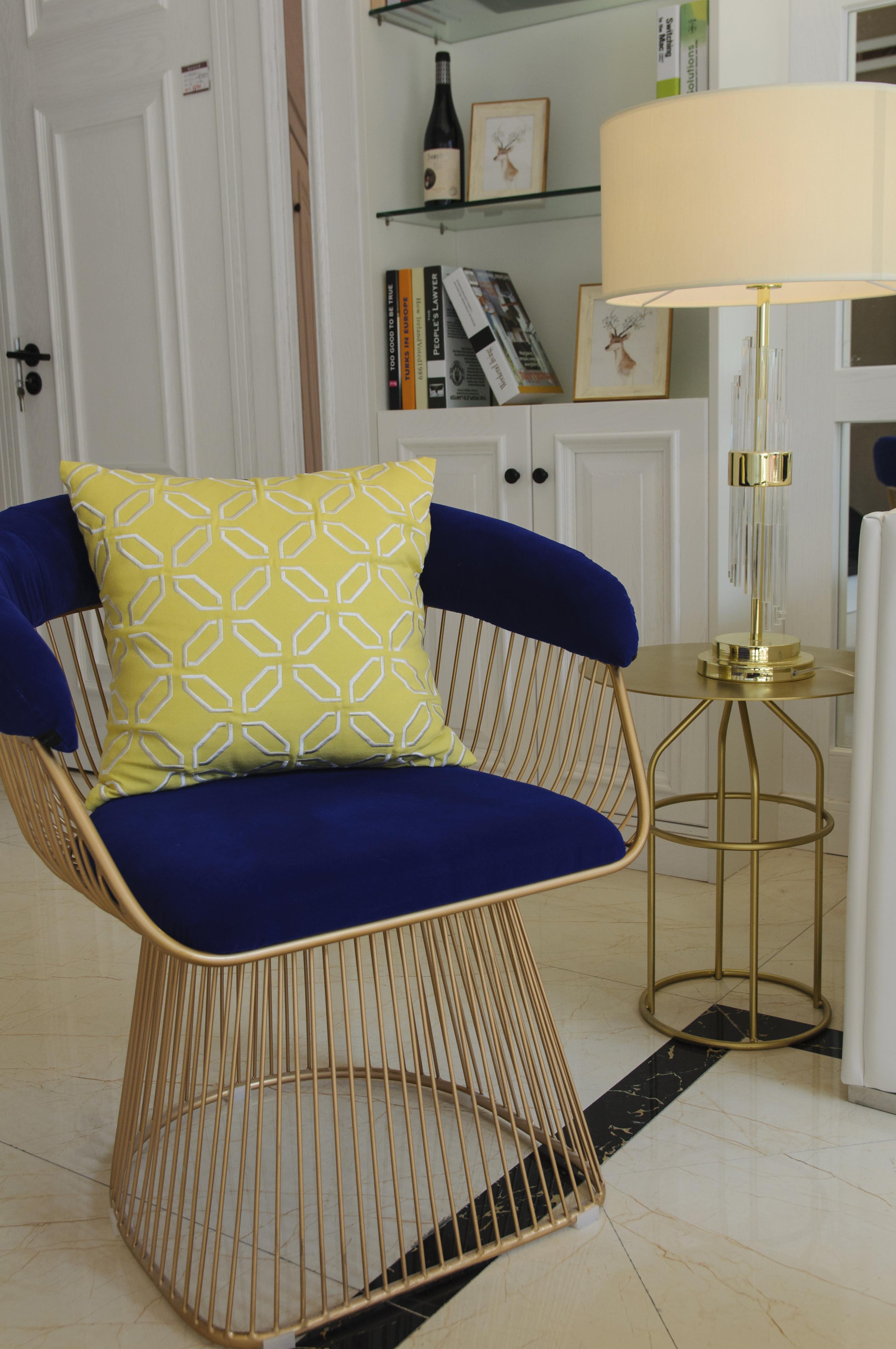 90平跃层装修休闲椅图片