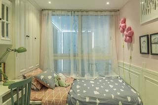 90平跃层装修卧室搭配图