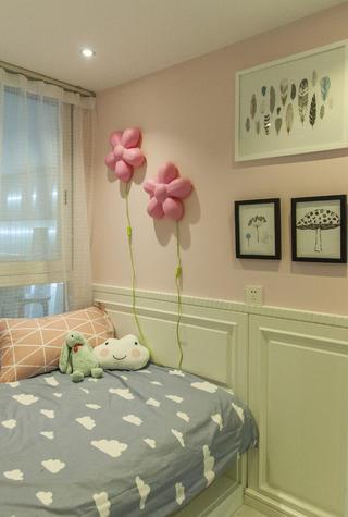 90平跃层装修卧室墙面装饰