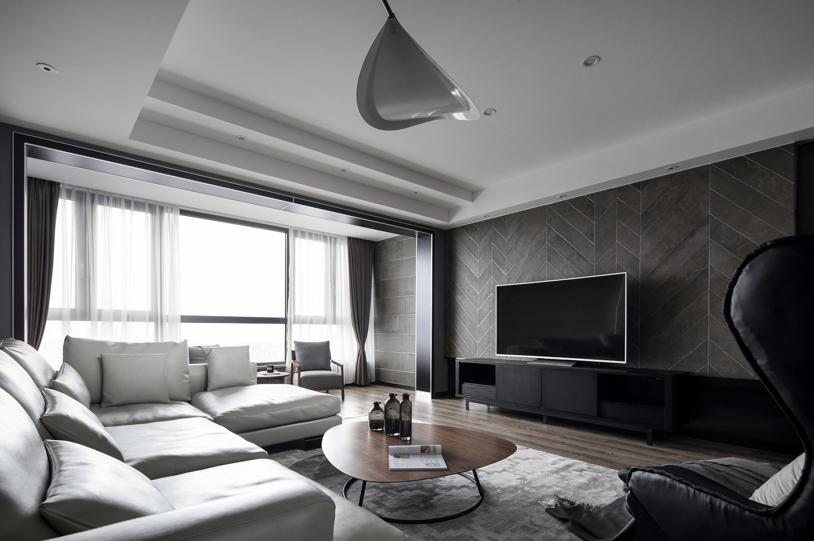 现代二居装修电视背景墙图片