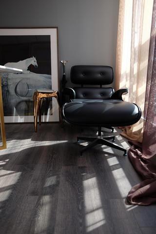 混搭办公室装修躺椅图片