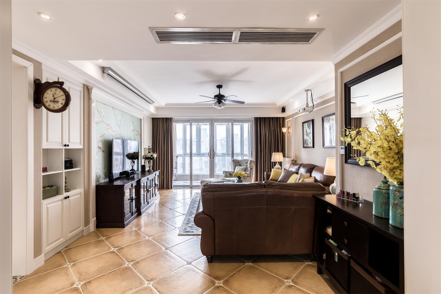 170平美式装修客厅效果图