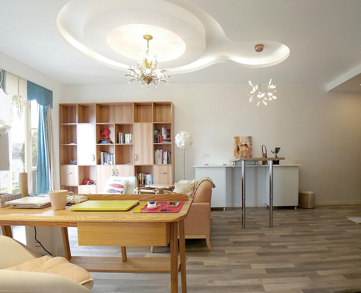 二居室简约风格家客厅顶面造型图