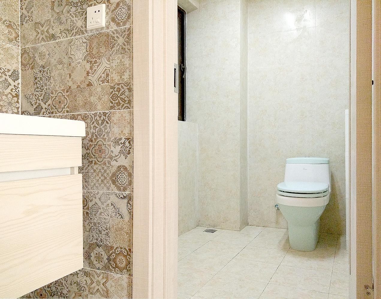 二居室简约风格家卫生间设计图
