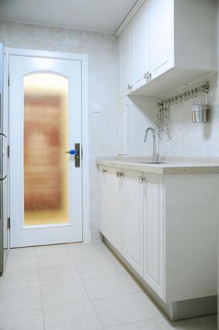 110平简约三居室装修橱柜图片