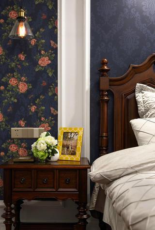 三居室美式风格家床头柜图片