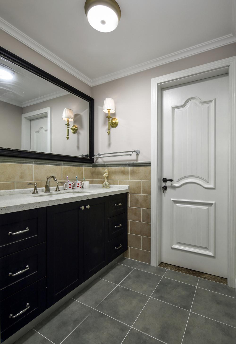 三居室美式风格家浴室柜图片