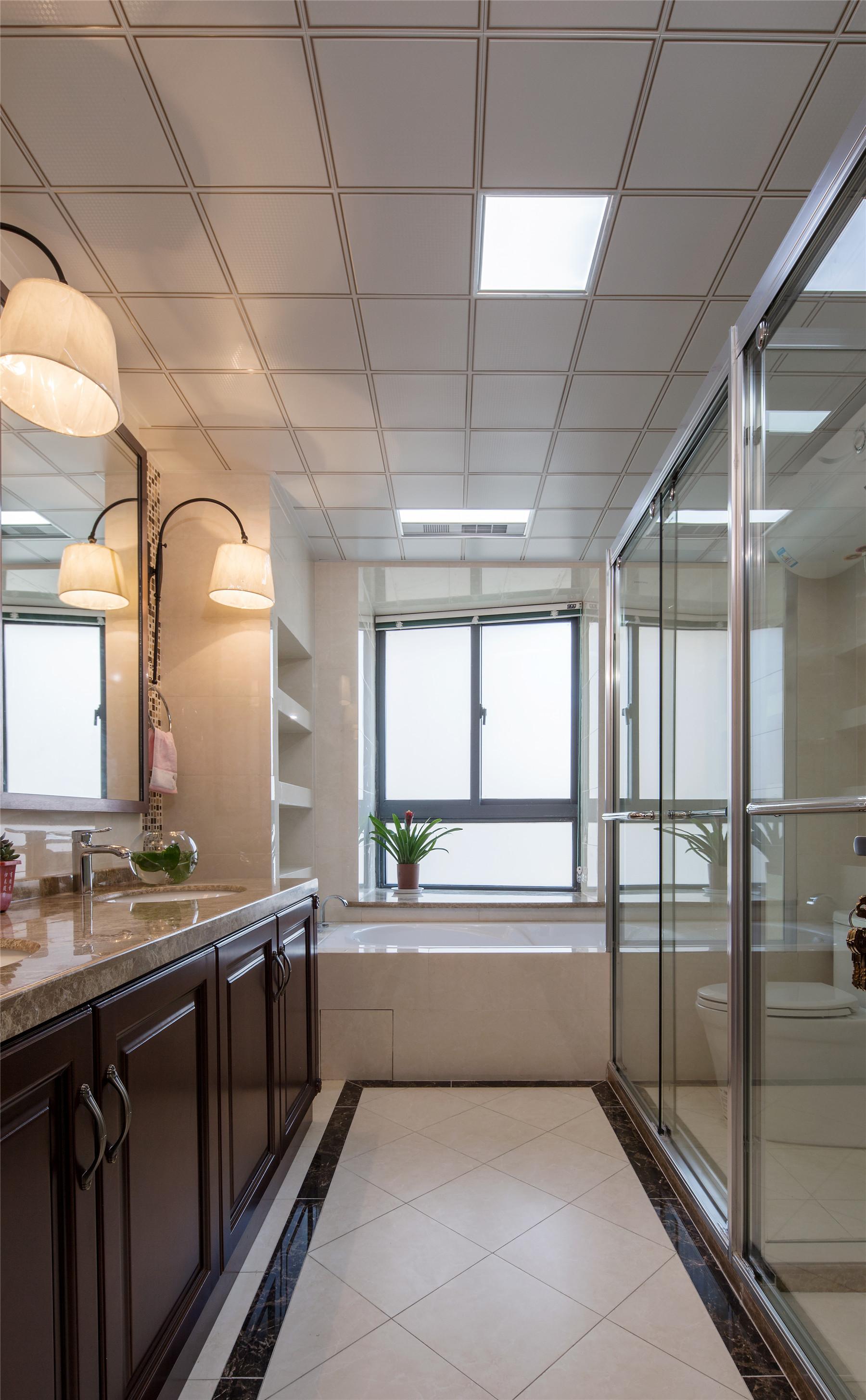 中式风格四房装修卫生间图片