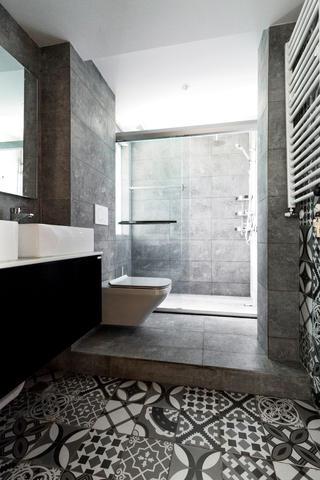 110平Loft风格装修卫生间设计图